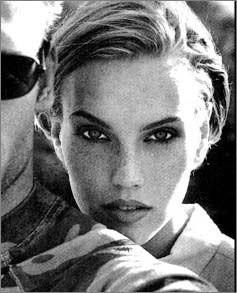Photo of model Lisa Ashbrooke - ID 2696