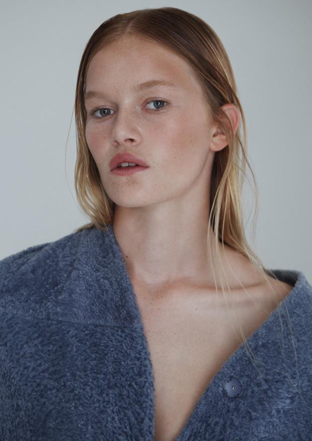 Photo of model Alice Morgan - ID 543388