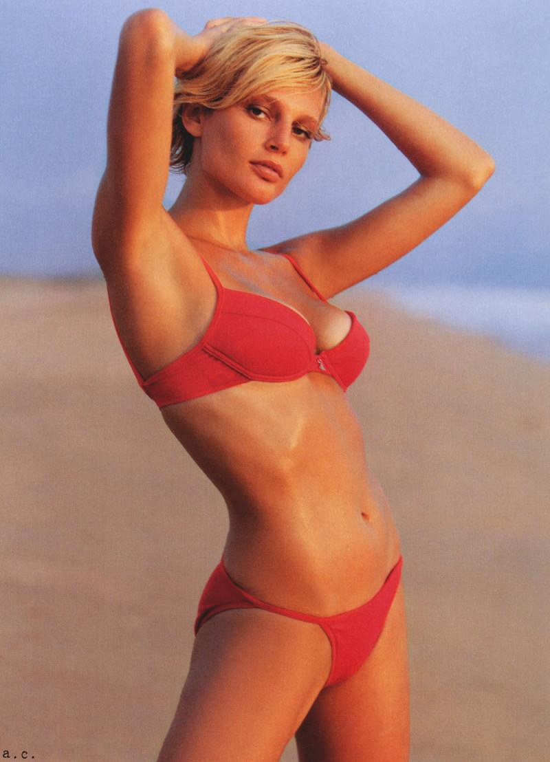 Photo of model Bridget Hall - ID 38414