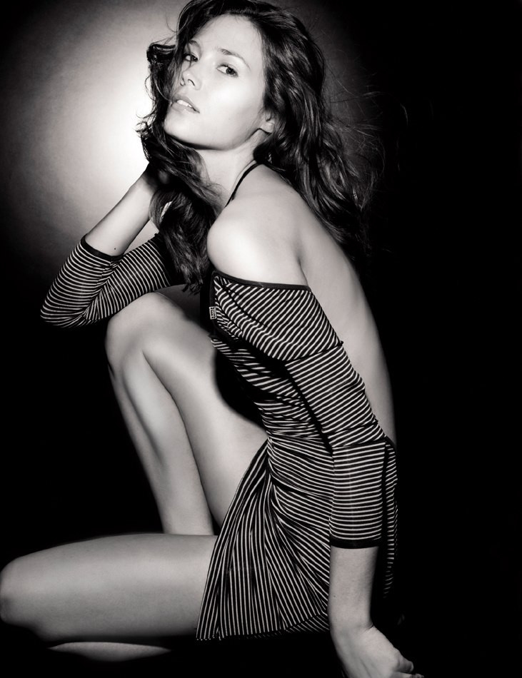 Photo of model Katie Burrell - ID 408992