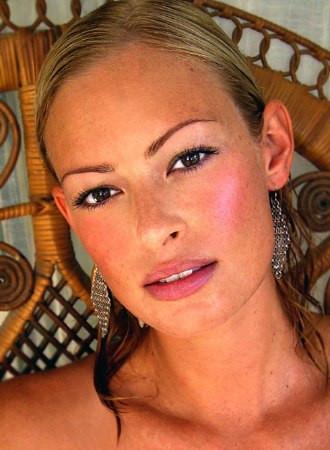 Photo of model Shayna Roberts - ID 87547