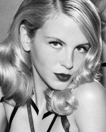 Photo of model Laura Fraser - ID 140009