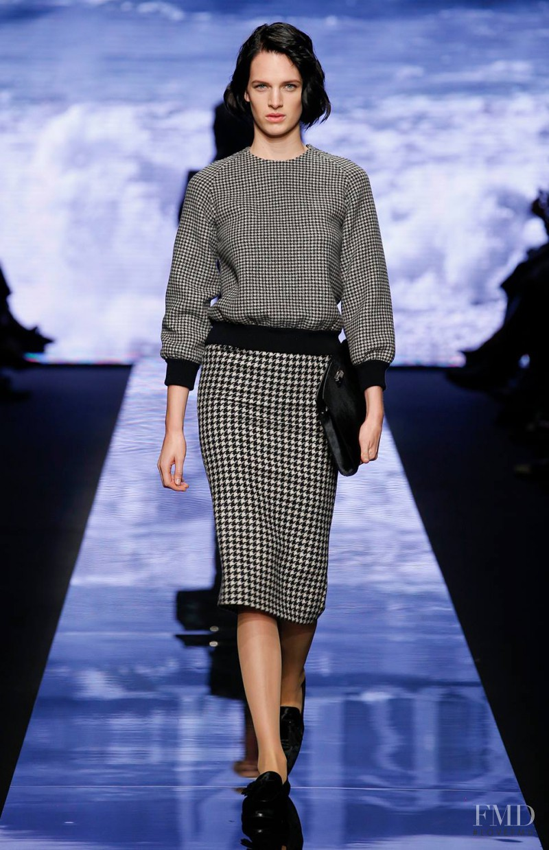 Ashleigh Good featured in  the Max Mara fashion show for Autumn/Winter 2015