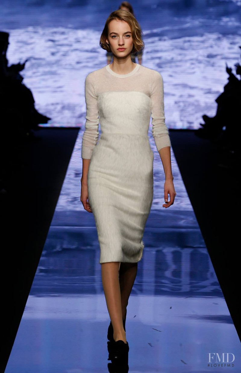 Maartje Verhoef featured in  the Max Mara fashion show for Autumn/Winter 2015