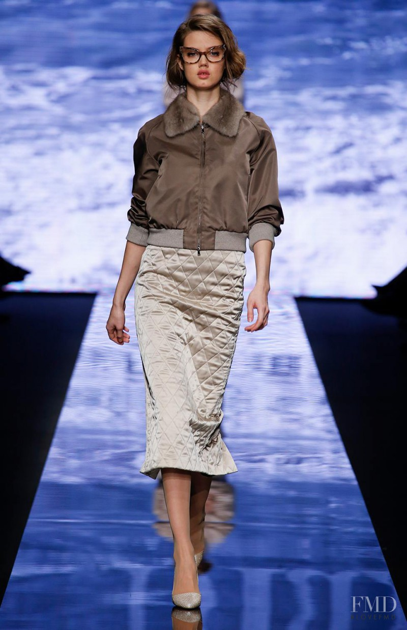 Lindsey Wixson featured in  the Max Mara fashion show for Autumn/Winter 2015