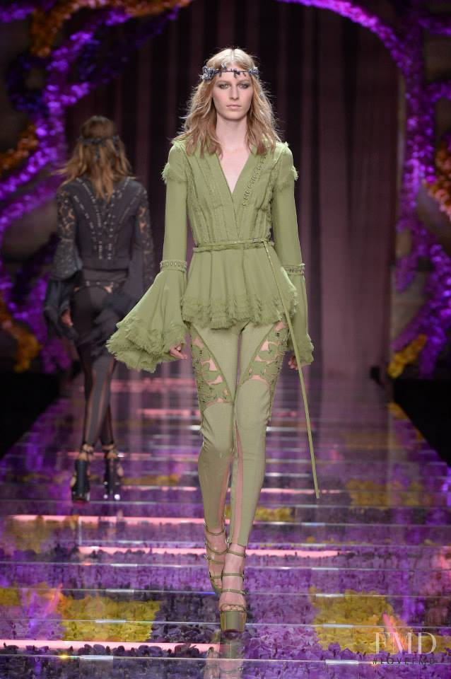 Julia Nobis featured in  the Atelier Versace fashion show for Autumn/Winter 2015