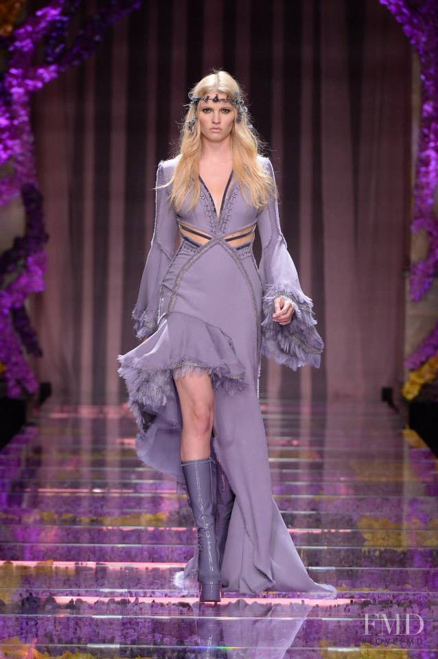 Lara Stone featured in  the Atelier Versace fashion show for Autumn/Winter 2015