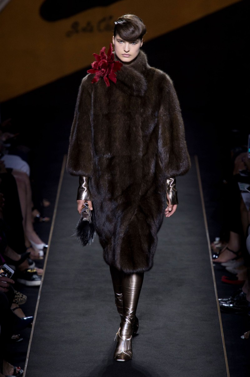 Julia van Os featured in  the Fendi Couture fashion show for Autumn/Winter 2015