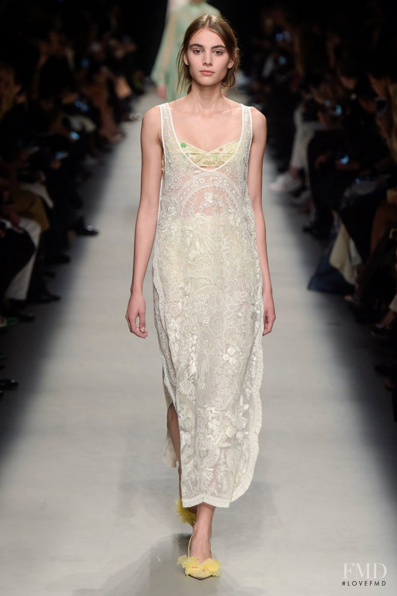 Rochas fashion show for Spring/Summer 2016
