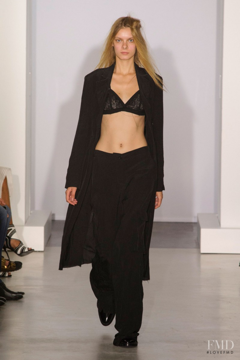 Yang Li fashion show for Spring/Summer 2016