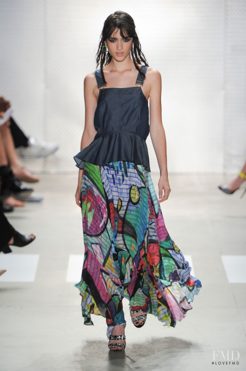 Nicole Miller fashion show for Spring/Summer 2016