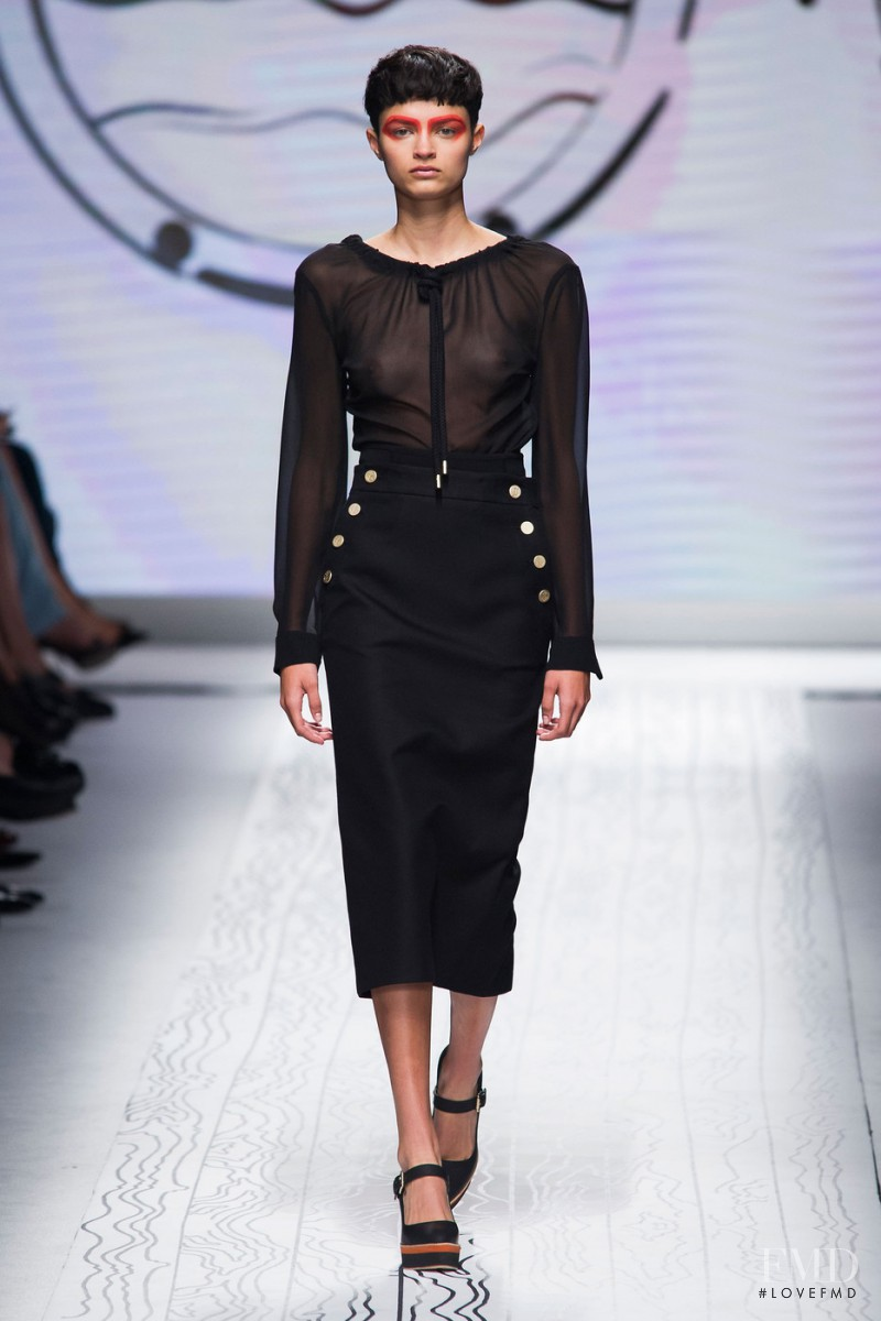 Isabella Emmack featured in  the Max Mara fashion show for Spring/Summer 2016