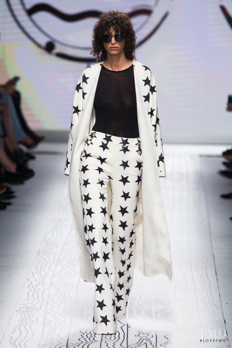 Mica Arganaraz featured in  the Max Mara fashion show for Spring/Summer 2016