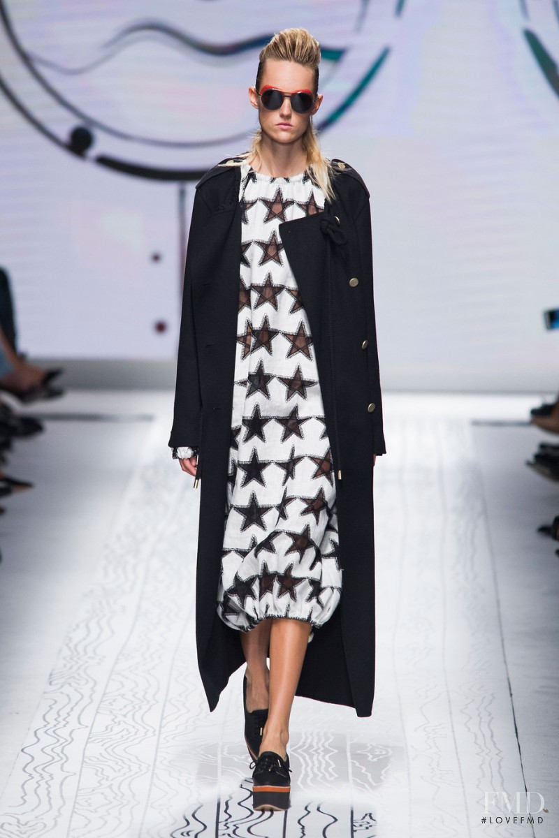 Harleth Kuusik featured in  the Max Mara fashion show for Spring/Summer 2016
