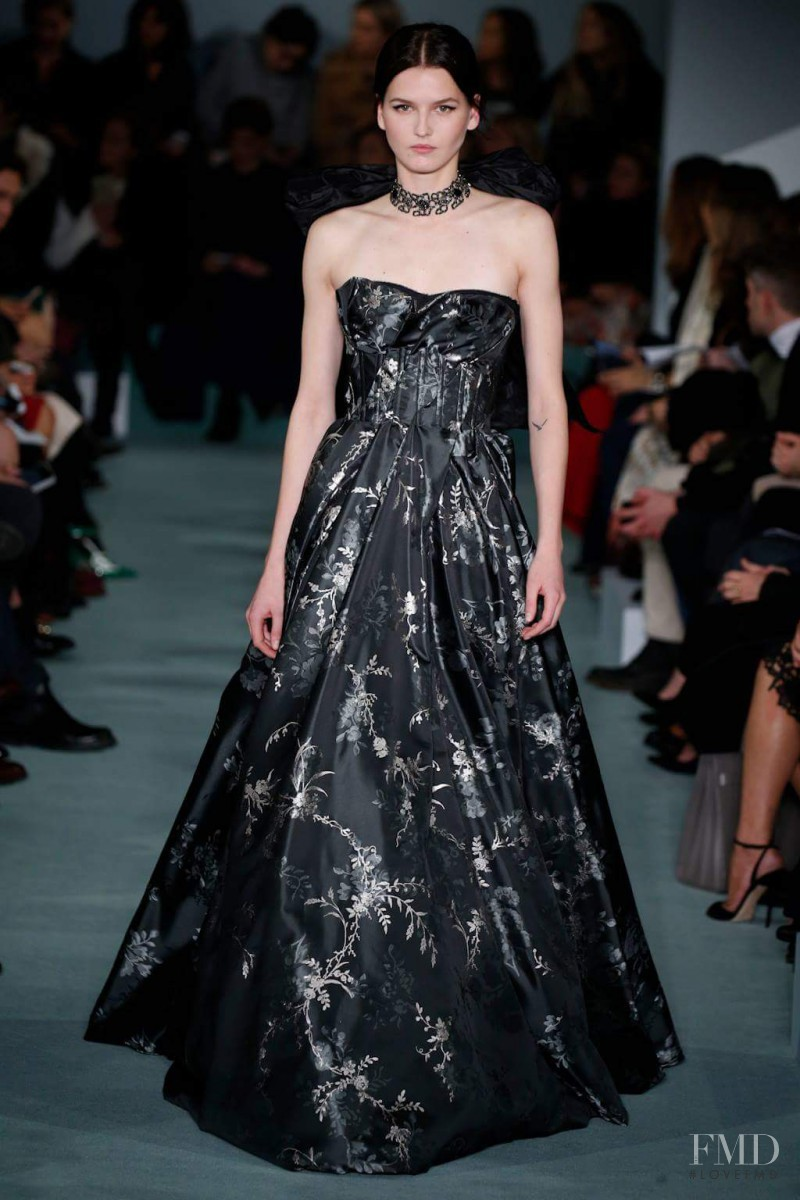 Katlin Aas featured in  the Oscar de la Renta fashion show for Autumn/Winter 2016