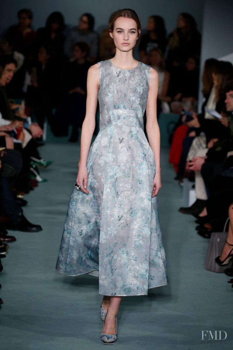 Maartje Verhoef featured in  the Oscar de la Renta fashion show for Autumn/Winter 2016