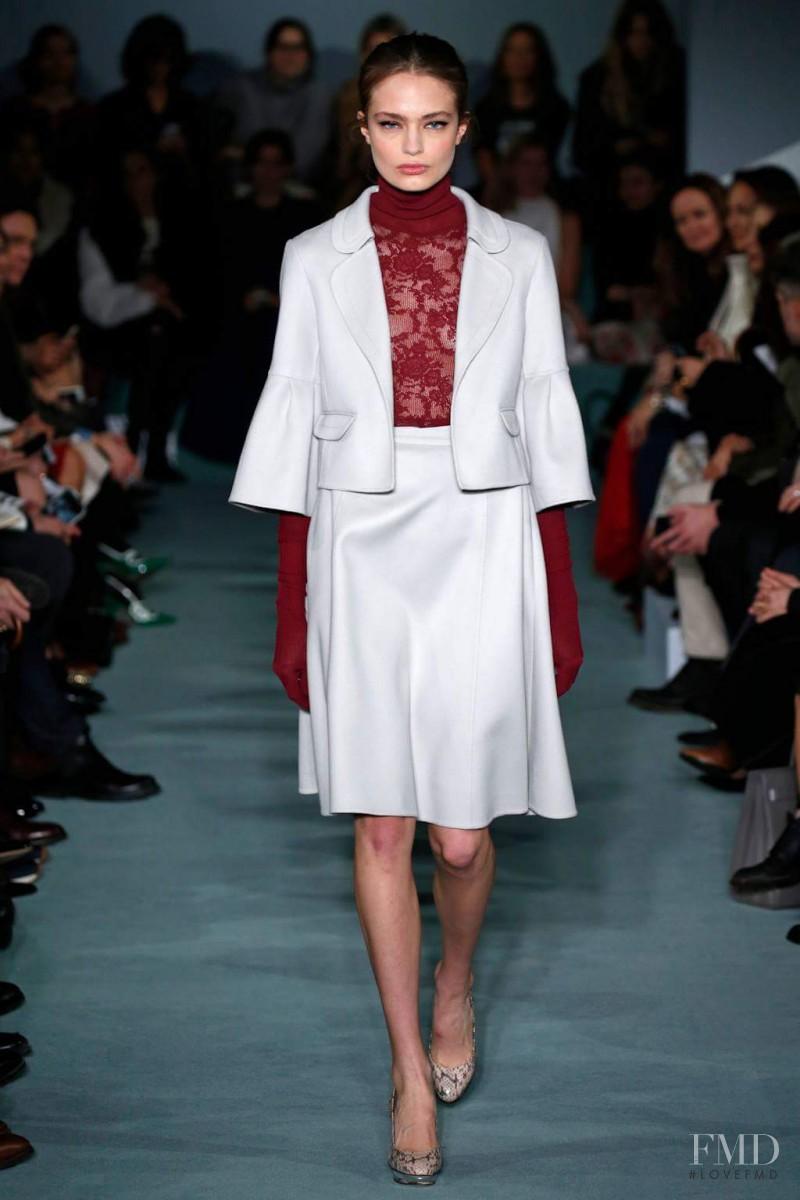 Anna Mila Guyenz featured in  the Oscar de la Renta fashion show for Autumn/Winter 2016