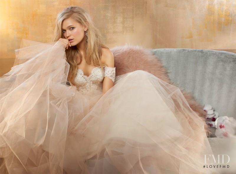 Vita Sidorkina featured in  the Alvina Valenta advertisement for Spring/Summer 2015