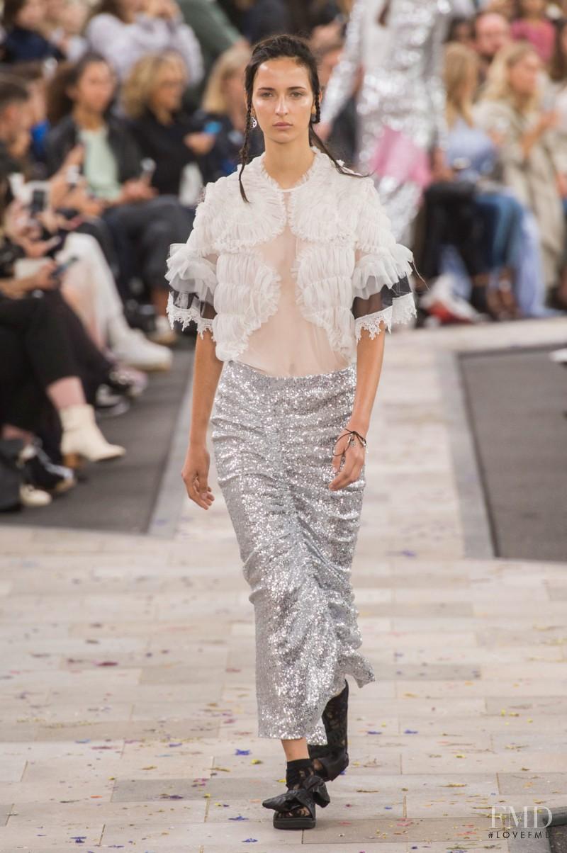 Waleska Gorczevski featured in  the Preen by Thornton Bregazzi fashion show for Spring/Summer 2016