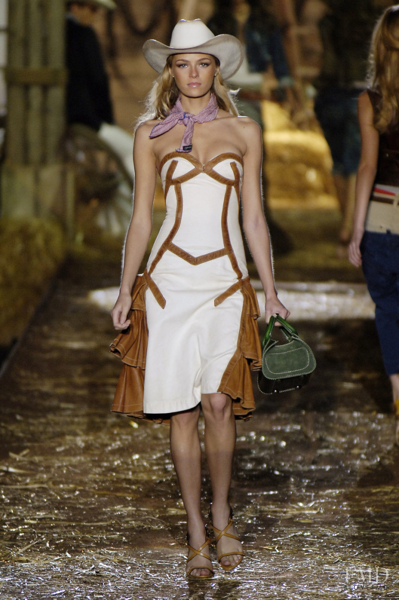 Valentina Zeliaeva featured in  the DSquared2 fashion show for Spring/Summer 2006