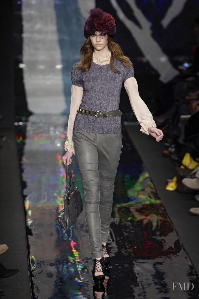 Karlie Kloss featured in  the Diane Von F�rstenberg fashion show for Autumn/Winter 2010