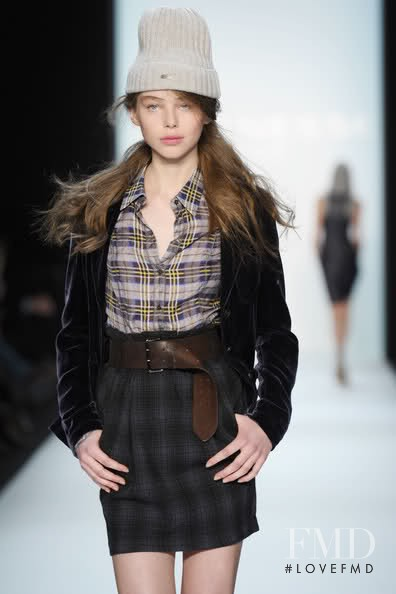 Agnieszka Pulapa featured in  the Strenesse Blue fashion show for Autumn/Winter 2010