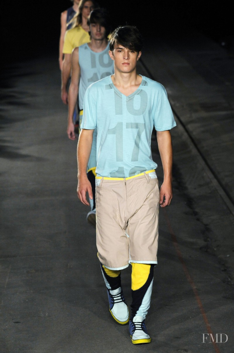 Redley fashion show for Spring/Summer 2010