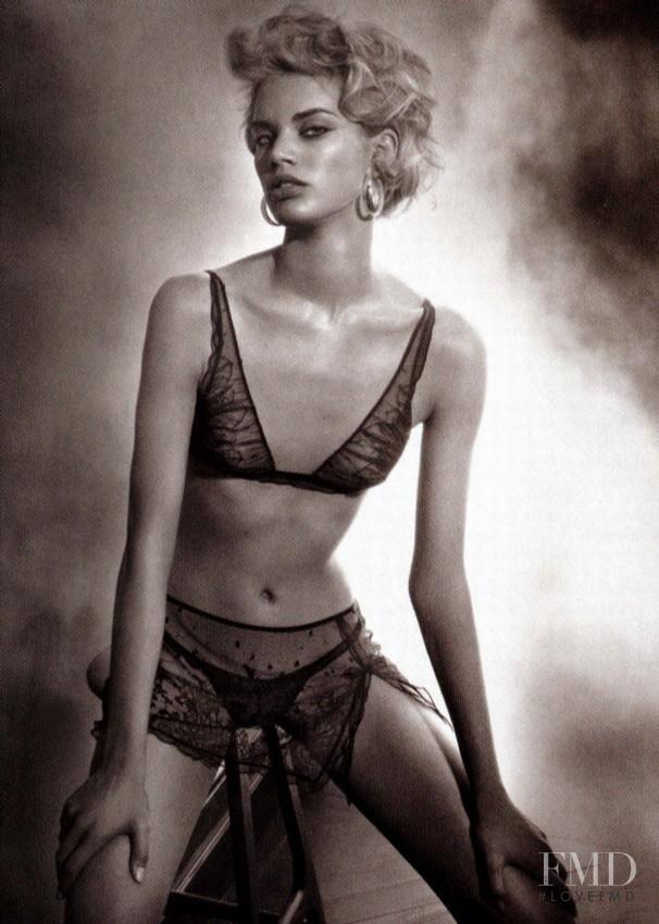 Rianne ten Haken featured in  the La Perla advertisement for Autumn/Winter 2004