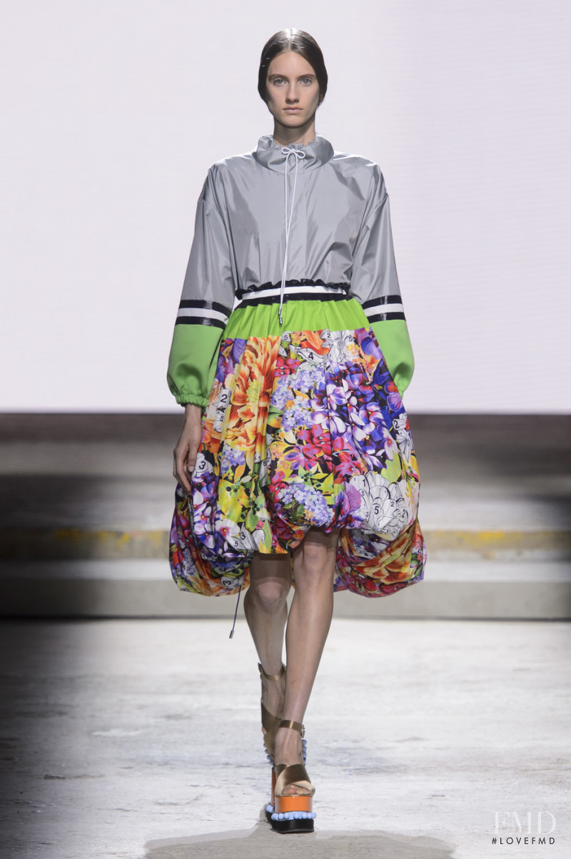 Sarah Berger featured in  the Mary Katrantzou fashion show for Spring/Summer 2018