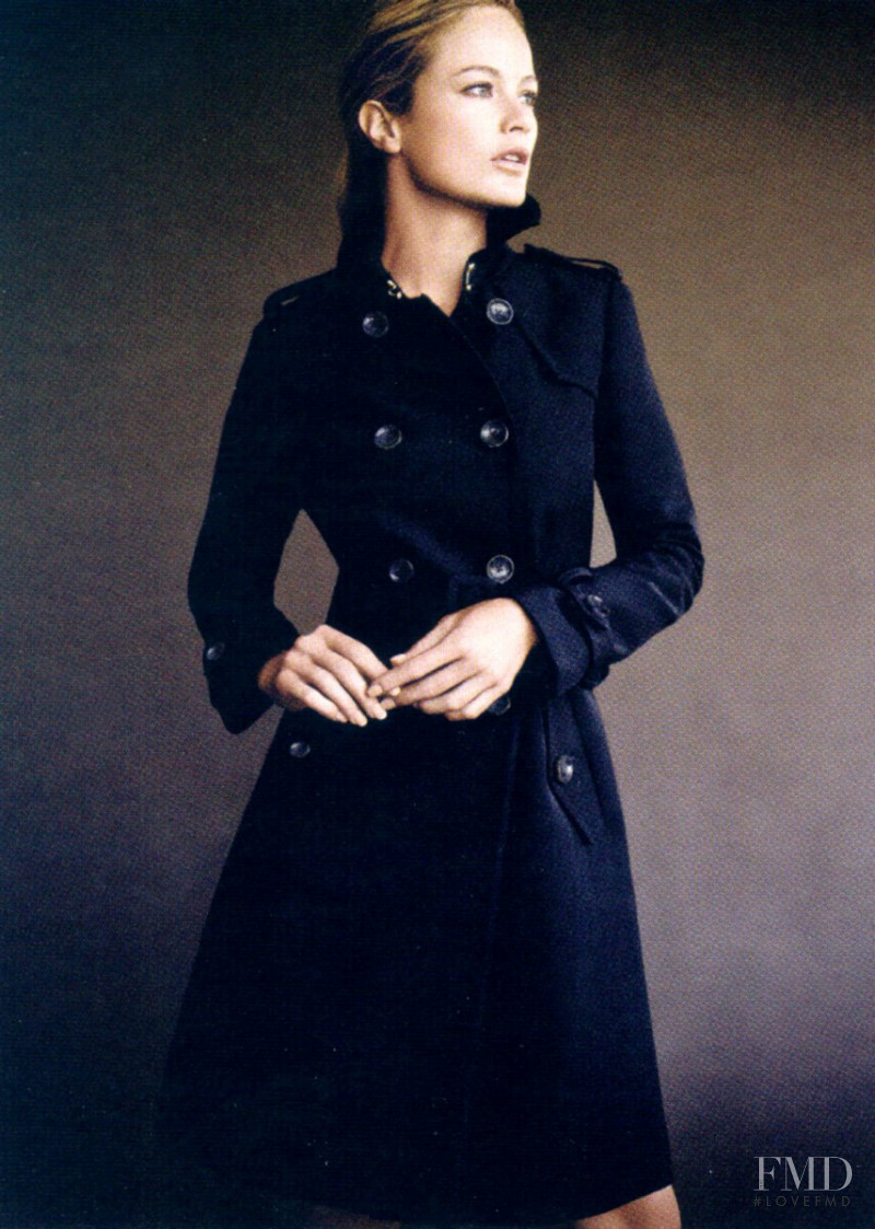 Carolyn Murphy featured in  the Banana Republic advertisement for Autumn/Winter 2008