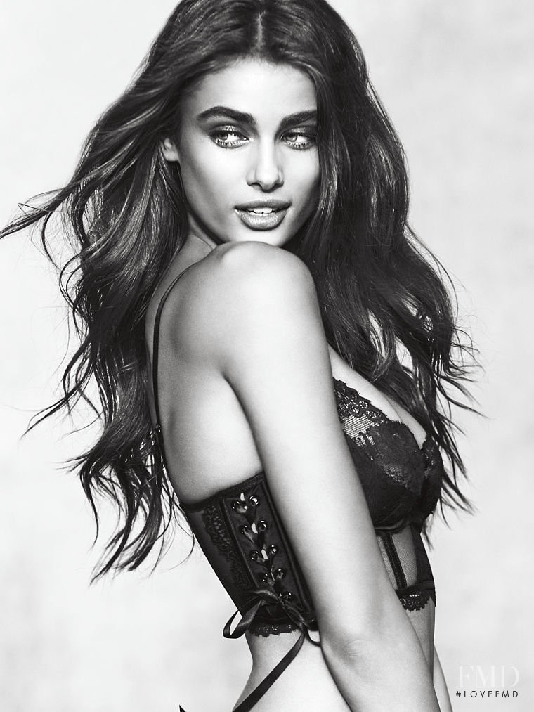 Taylor Hill featured in  the Victoria\'s Secret Tease Fragrance advertisement for Autumn/Winter 2017