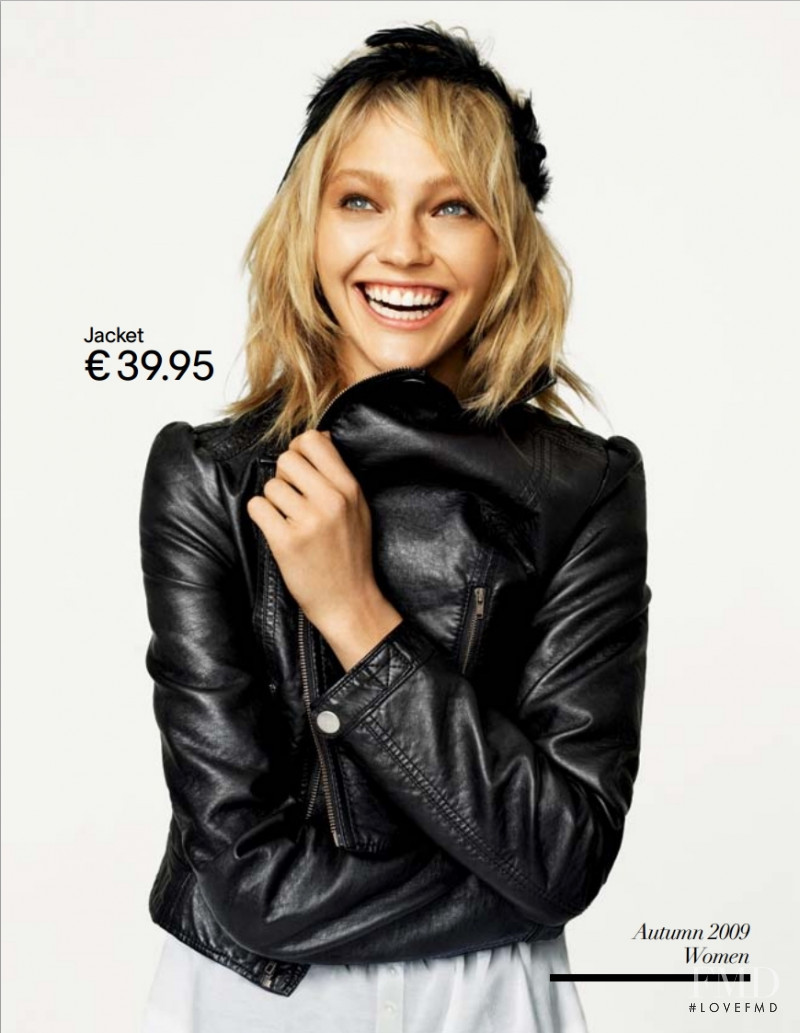 Sasha Pivovarova featured in  the H&M advertisement for Fall 2009