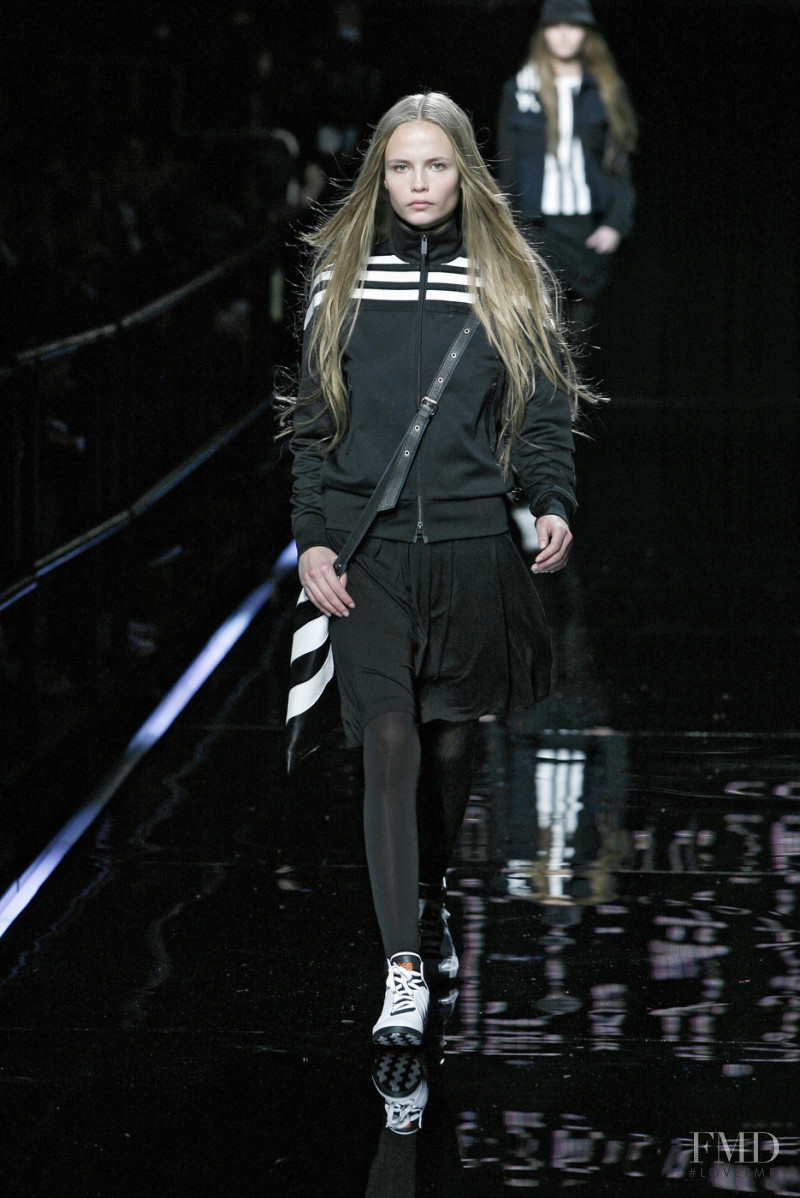Natasha Poly featured in  the Y-3 fashion show for Autumn/Winter 2007