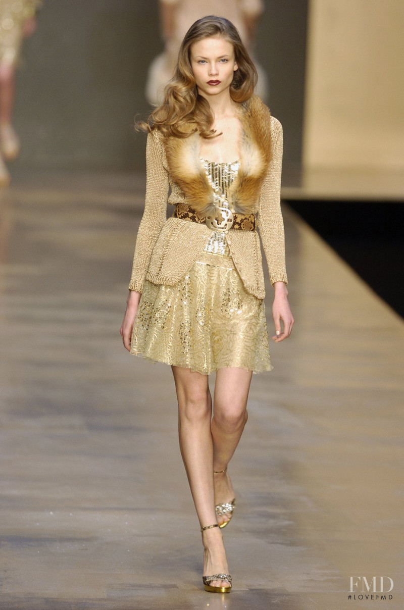 Natasha Poly featured in  the Blumarine fashion show for Autumn/Winter 2004