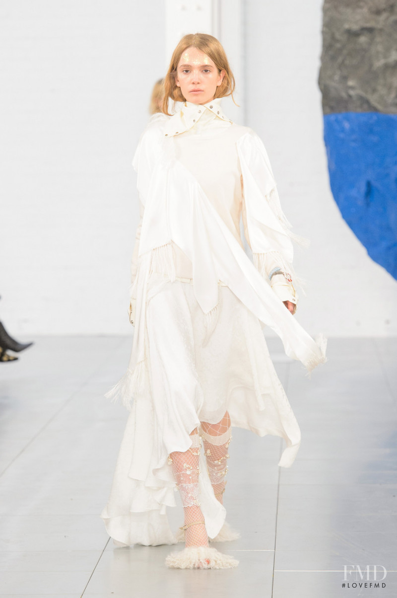 Julie Trichot featured in  the Preen by Thornton Bregazzi fashion show for Autumn/Winter 2018