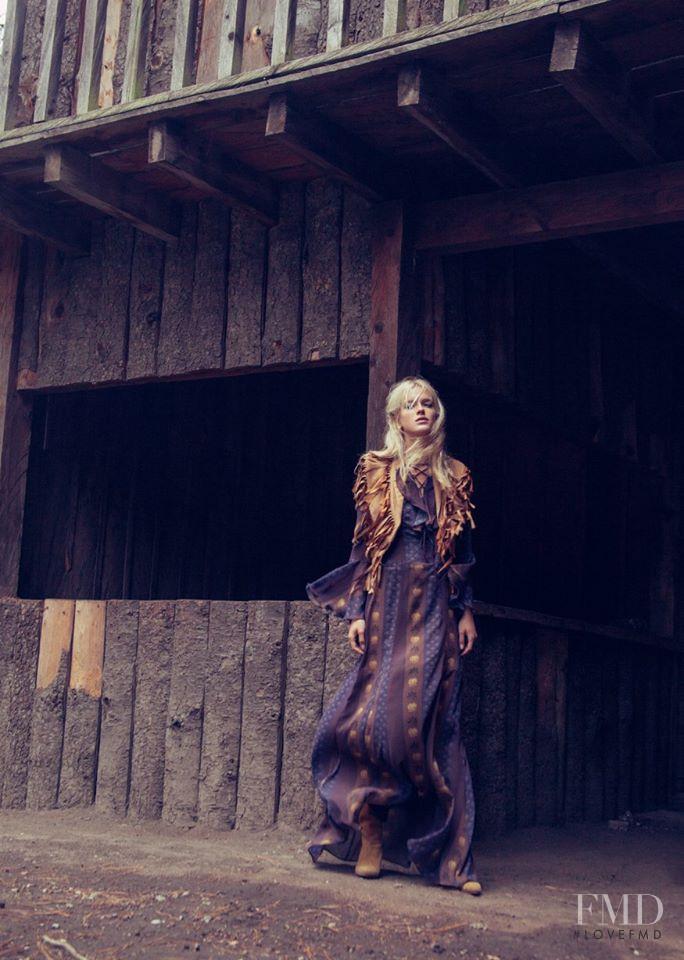 Paloma Lira Lotus advertisement for Autumn/Winter 2015