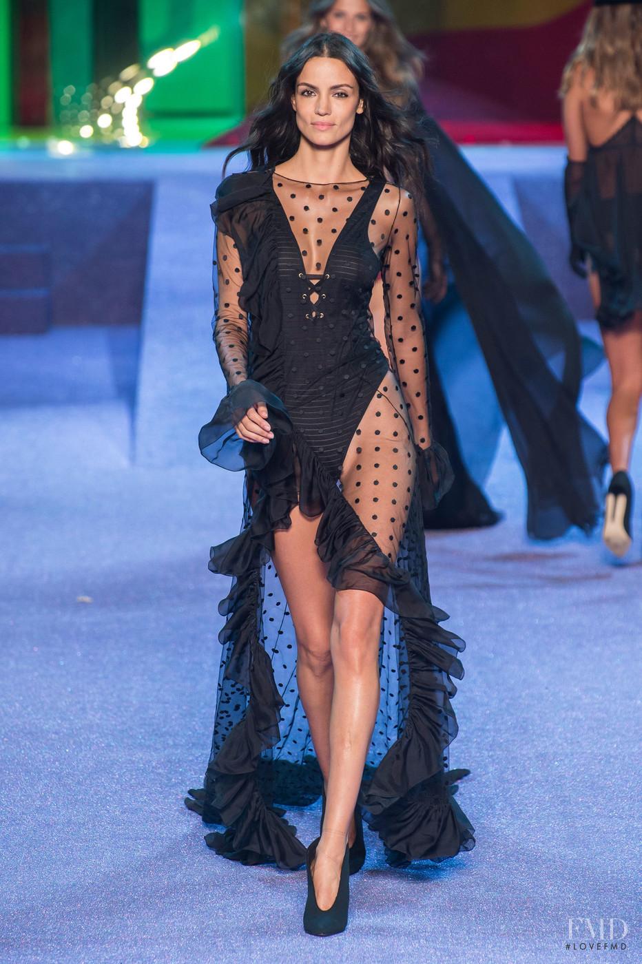 Photo - Etam - Spring/Summer 2019 Ready-to-Wear - paris - Fashion Show | Brands | The FMD