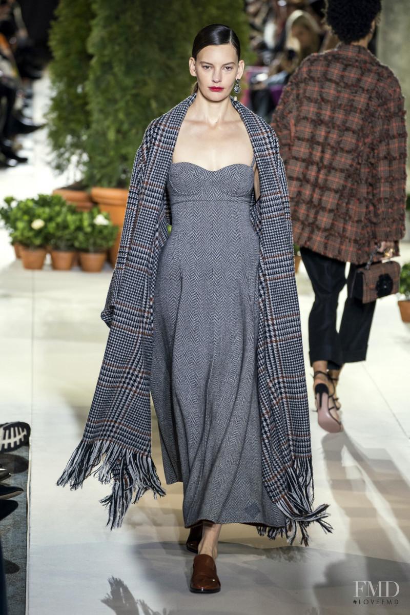 Amanda Murphy featured in  the Oscar de la Renta fashion show for Autumn/Winter 2019