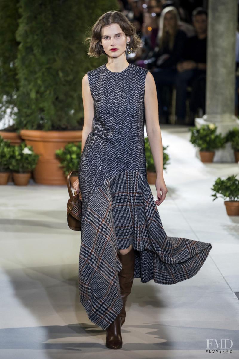 Giedre Dukauskaite featured in  the Oscar de la Renta fashion show for Autumn/Winter 2019