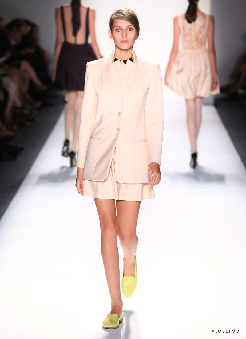 Honor fashion show for Spring/Summer 2012