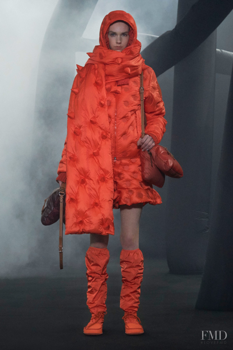 Bente Oort featured in  the Moncler 1 JW Anderson fashion show for Autumn/Winter 2020