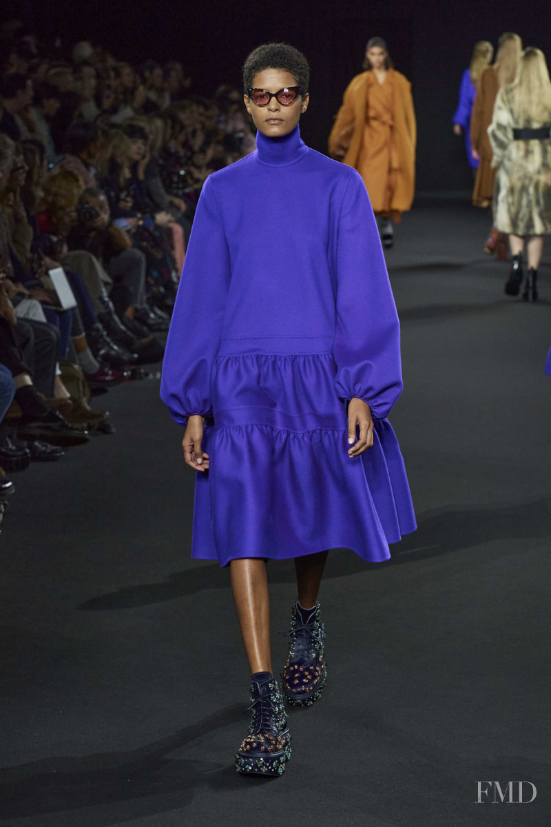 Laiza De Moura featured in  the Rochas fashion show for Autumn/Winter 2020