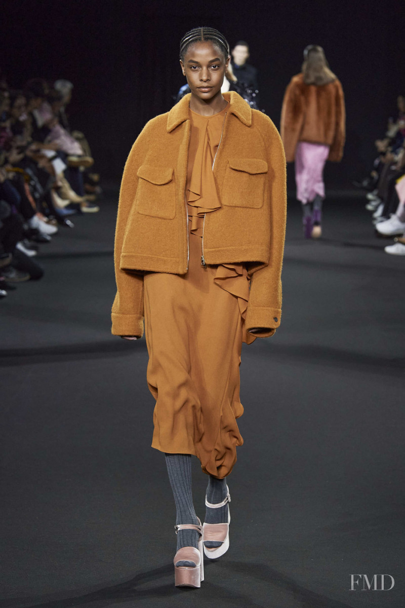 Karly Loyce featured in  the Rochas fashion show for Autumn/Winter 2020