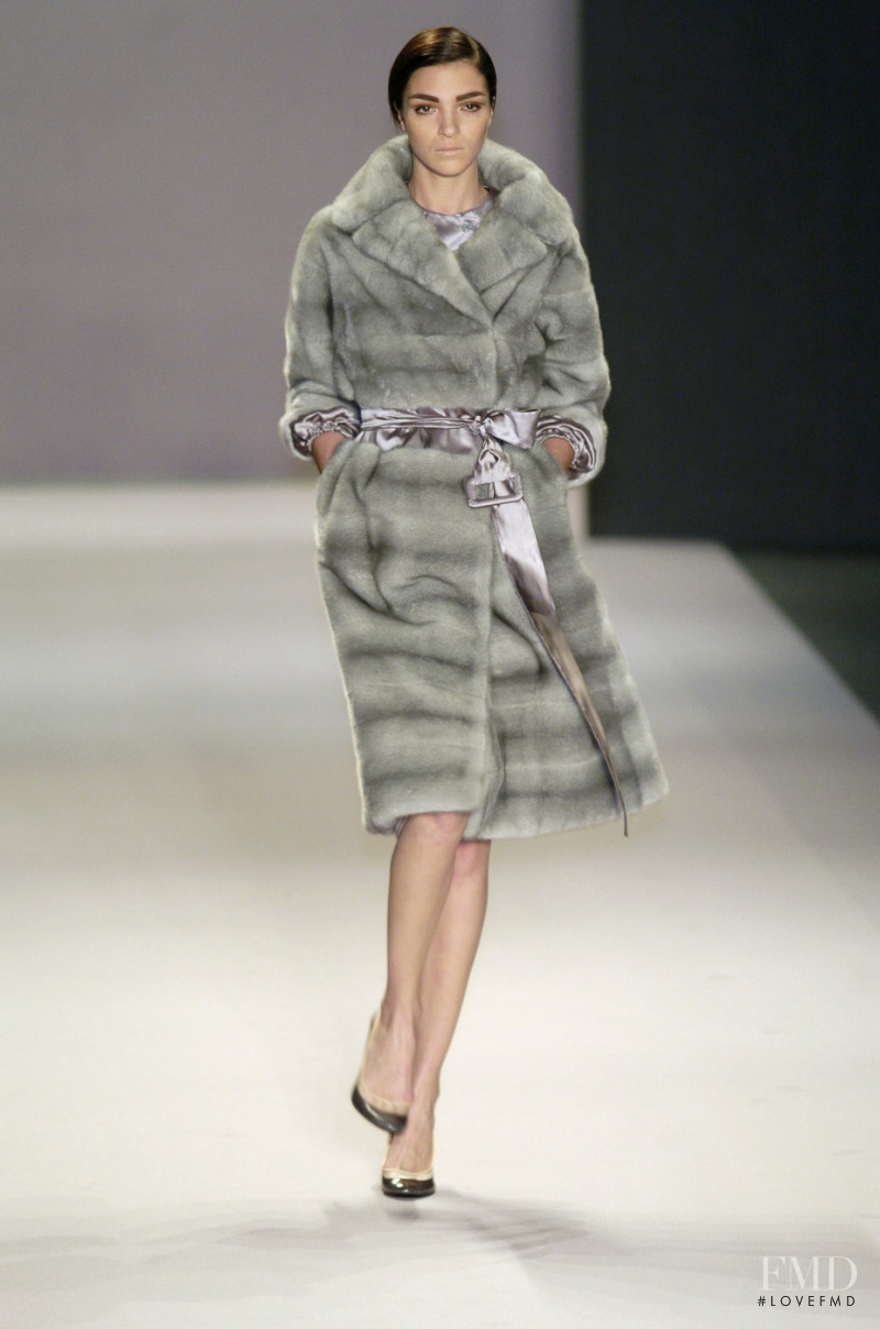 Mariacarla Boscono featured in  the Givenchy fashion show for Autumn/Winter 2004
