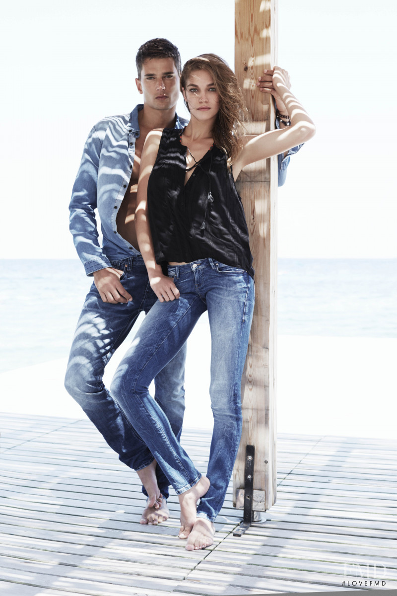 Samantha Gradoville featured in  the Mavi advertisement for Spring/Summer 2015