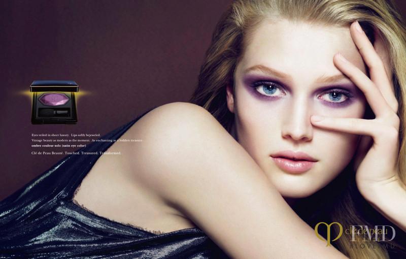 Toni Garrn featured in  the Clé de Peau Beaute advertisement for Autumn/Winter 2009
