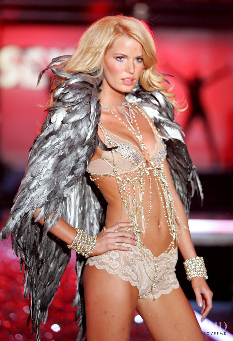 Caroline Winberg featured in  the Victoria\'s Secret fashion show for Christmas 2006
