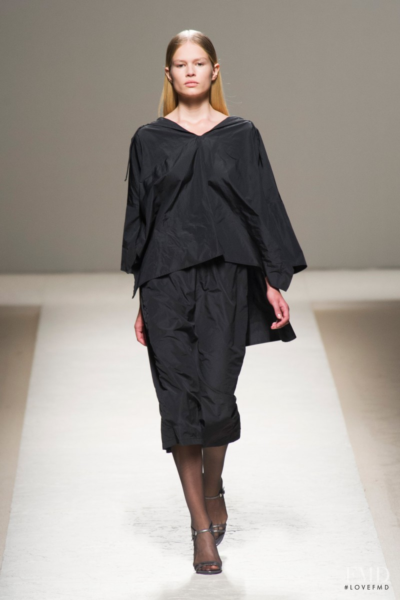Anna Ewers featured in  the Max Mara fashion show for Spring/Summer 2014