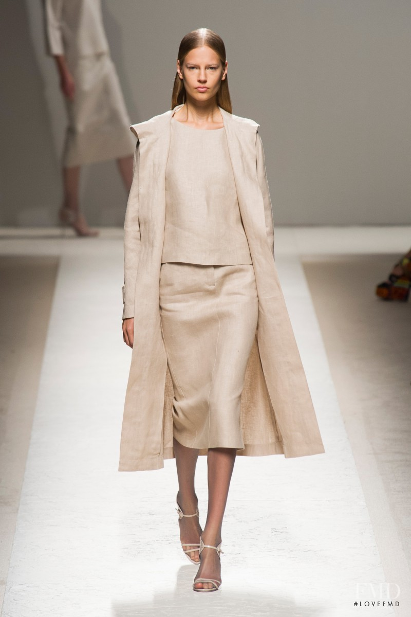 Elisabeth Erm featured in  the Max Mara fashion show for Spring/Summer 2014
