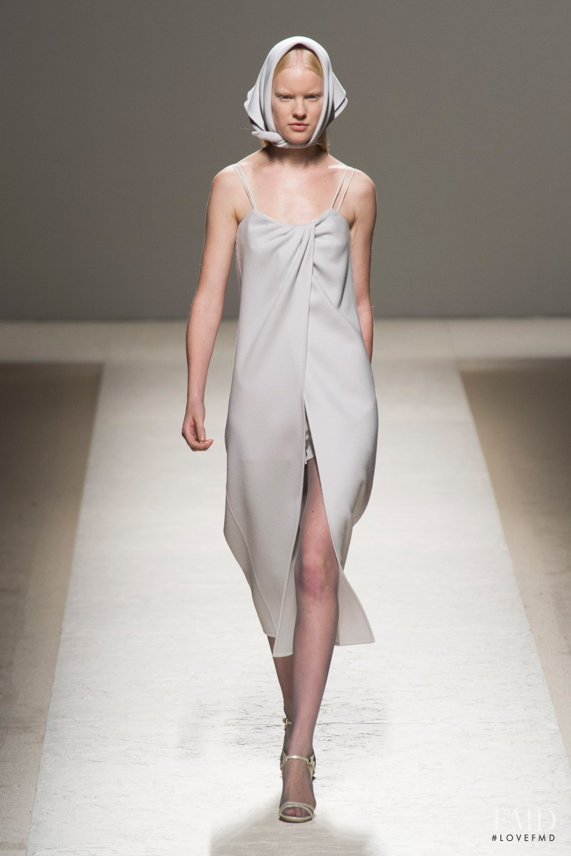 Linn Arvidsson featured in  the Max Mara fashion show for Spring/Summer 2014